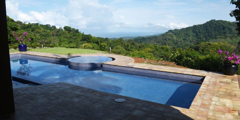 5022 house in dominical-3