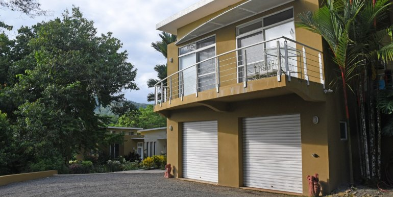 5022 house in dominical-9